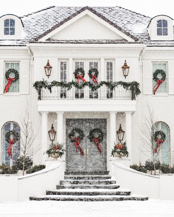 This Is What Would Be On Your Home's Christmas List If It Could Write One